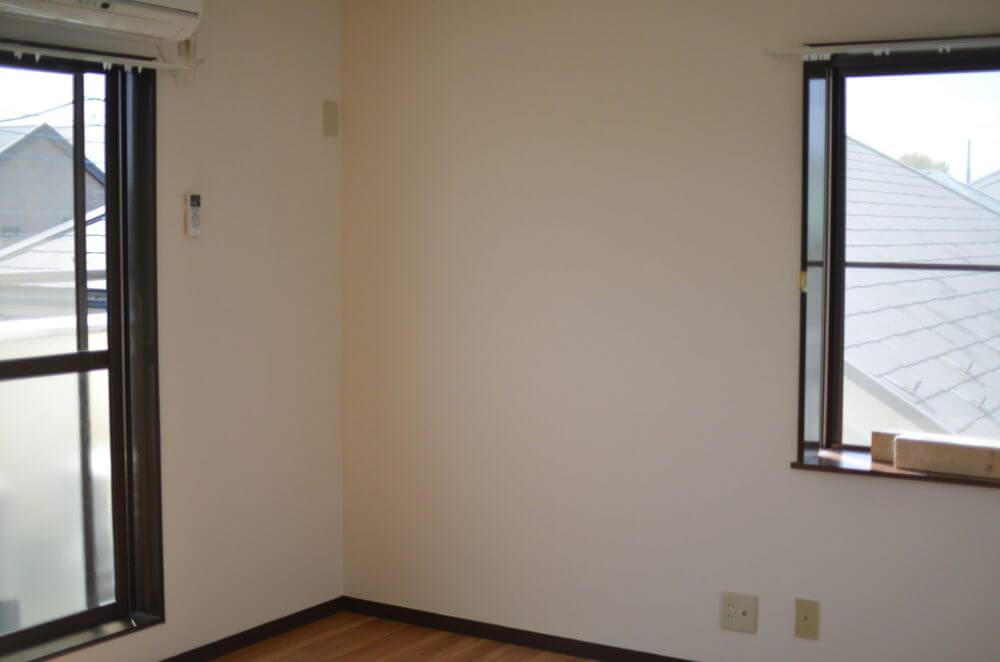 これから壁を作るプレーンな状態の部屋