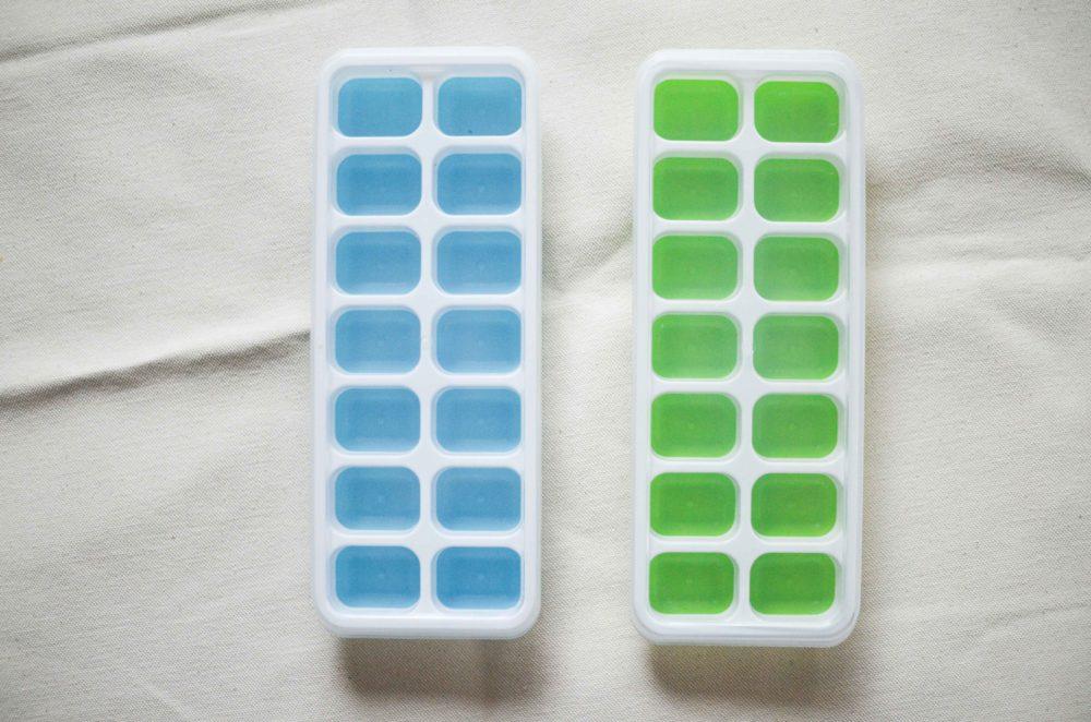 製氷機タイプの離乳食冷凍保存容器。