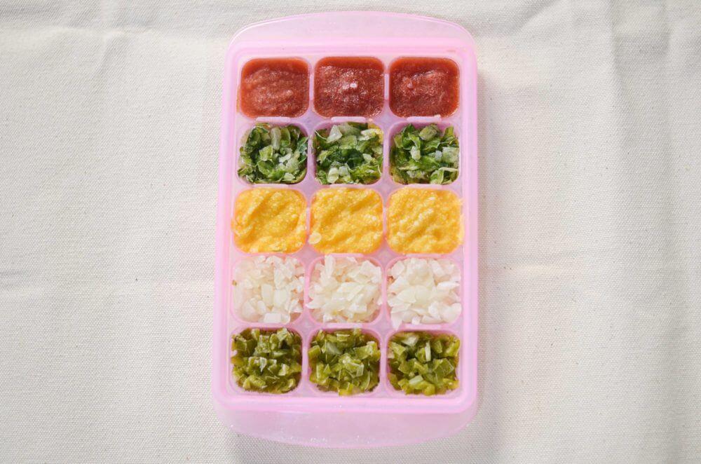 様々な野菜のベースとやみじん切りを冷凍したもの。