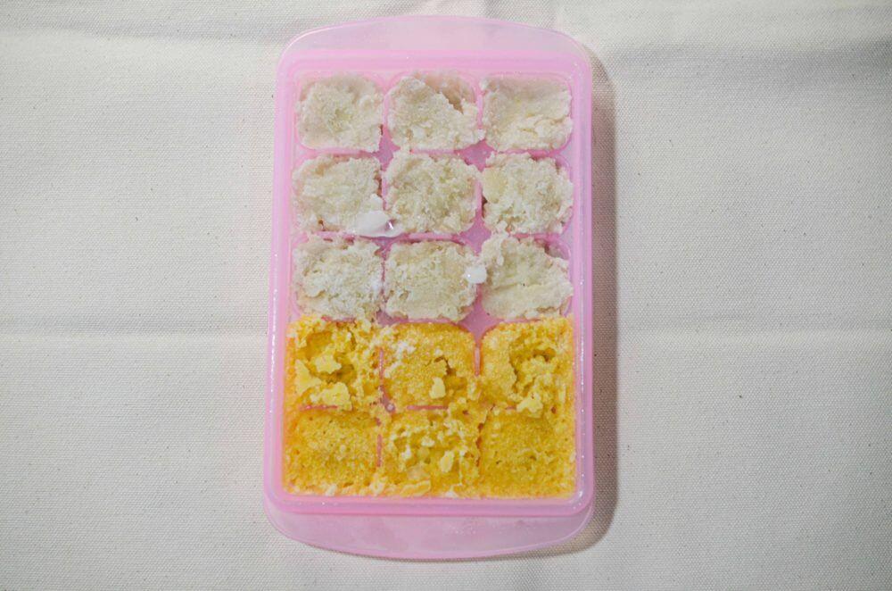 コーンと里芋に白身魚のペーストを混ぜ、レンジで蒸してはんぺん風にして冷凍したもの。